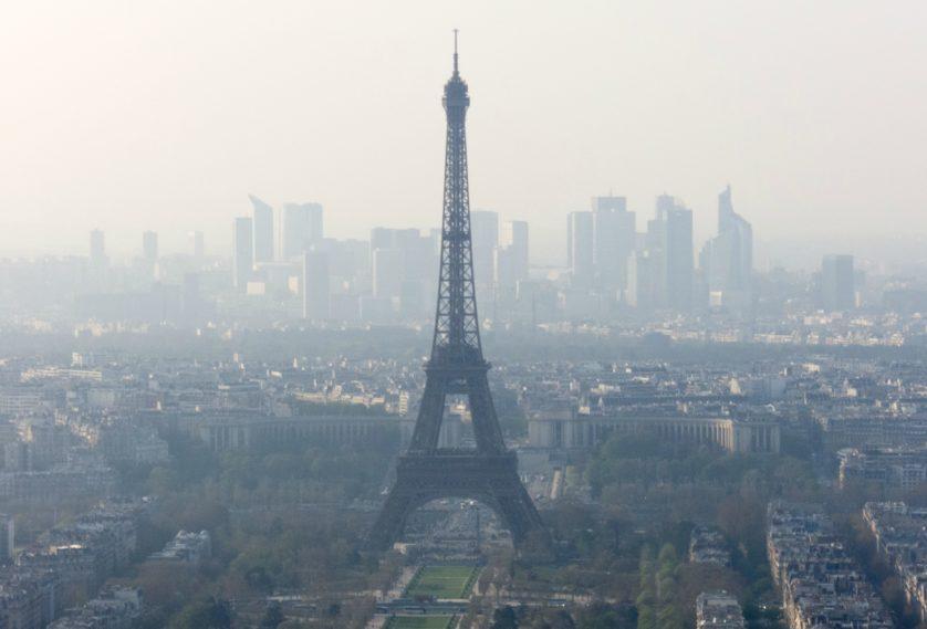 A qualidade do ar em Paris forçou líderes políticos a adotar uma posição contra o uso de diesel