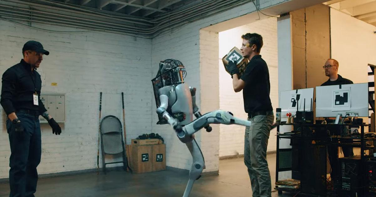 Vídeo: assista um robô exercer sua doce vingança em uma paródia dos vídeos da Boston Dynamics