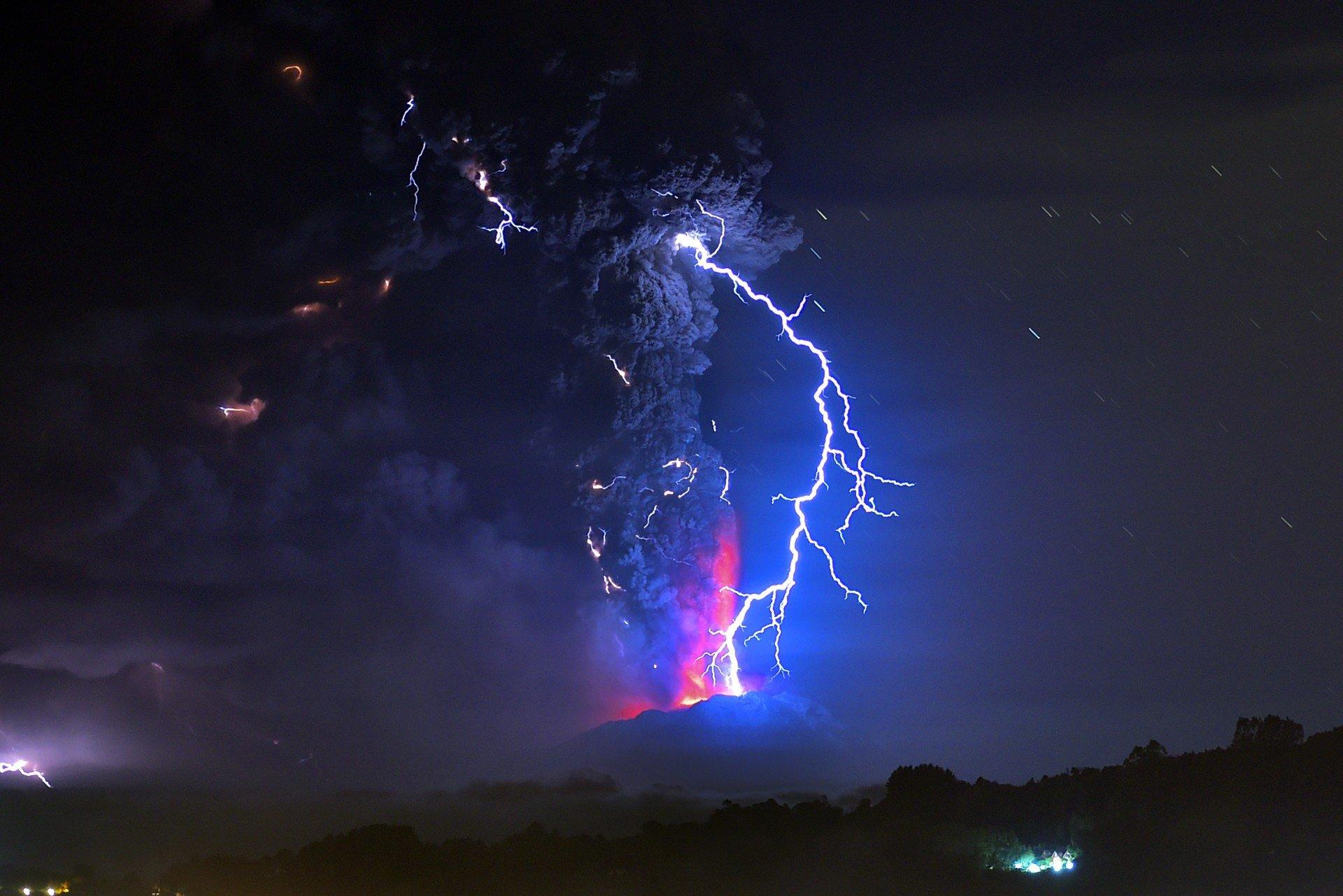 Os 10 melhores fenômenos científicos gravados em vídeo thumbnail