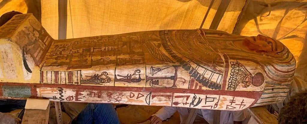 sarcofagos egito descobertos